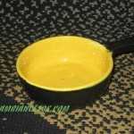 plat a manche jaune et noir