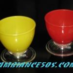 paire de coquetiers rouge et jaune