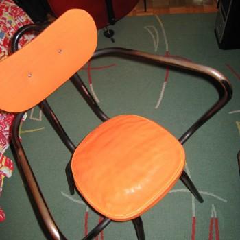 chaise Jacques orange.1