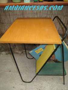 table porte disques scoubid vert jaune