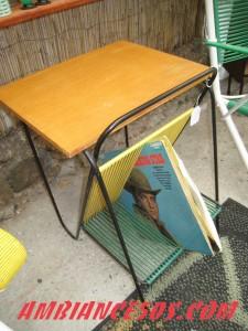 table porte disques scoubid vert jaune.1