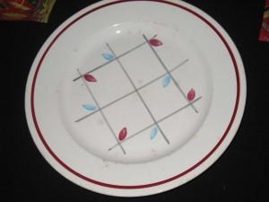 service vaisselle bleu et rouge.2