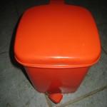 poubelle orange
