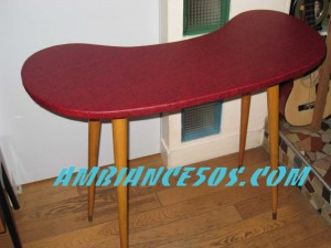 table skai rouge