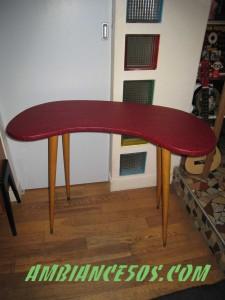 table skai rouge.1